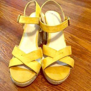 Medium Wedge yellow sandals
